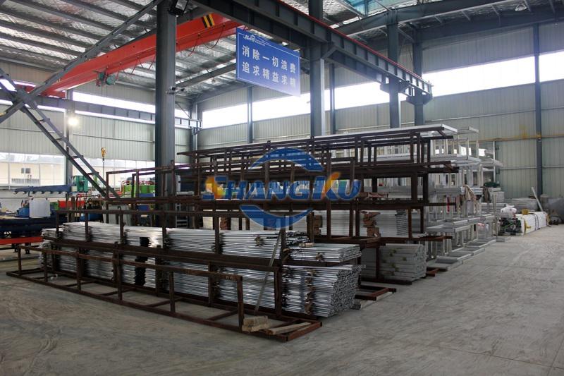 铝型材仓库
