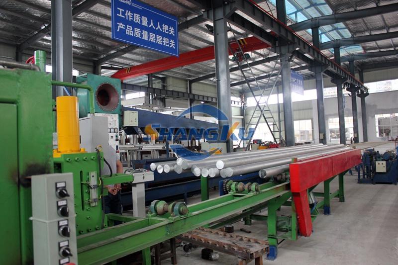铝挤压生产线2