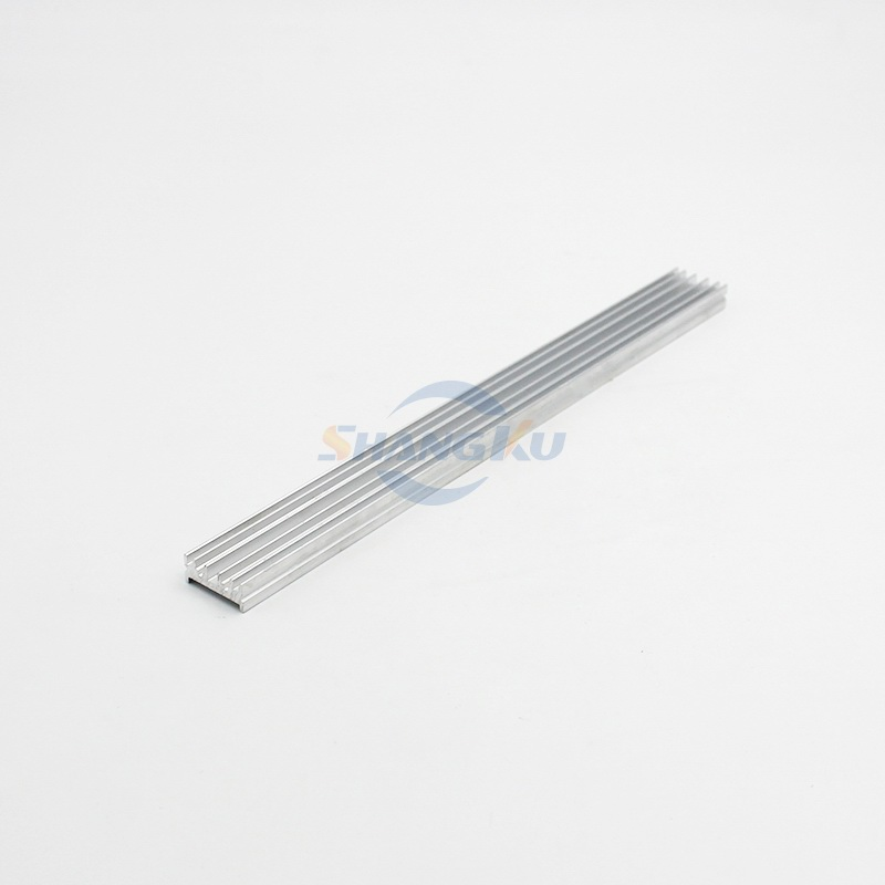 小型散热器铝型材1
