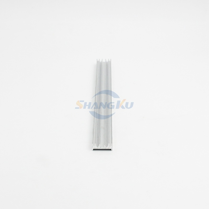 小型散热器铝型材2