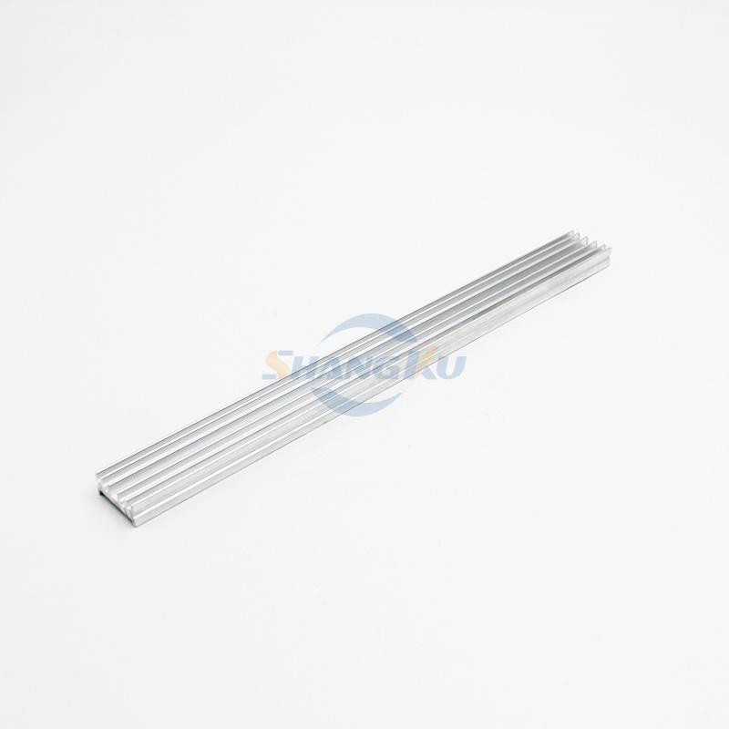 小型散热器铝型材4