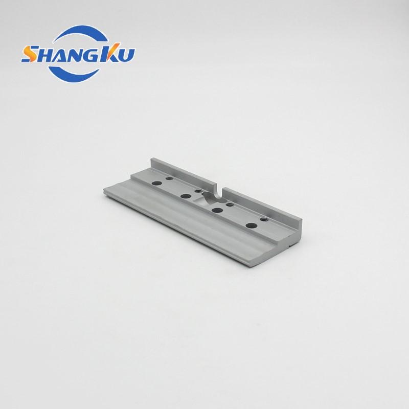 铝型材深加工打孔铣槽2